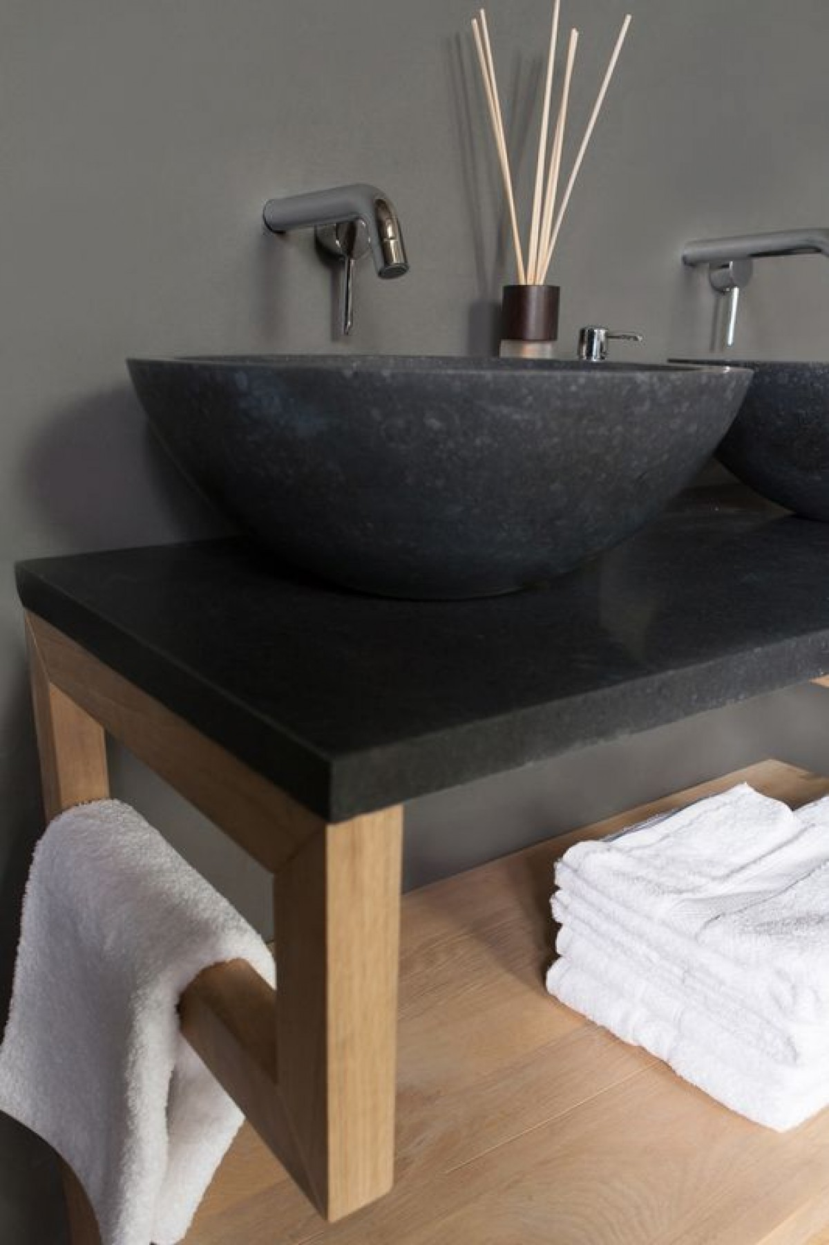 Een zwevend badkamermeubel met waskom | Blog Sanifun