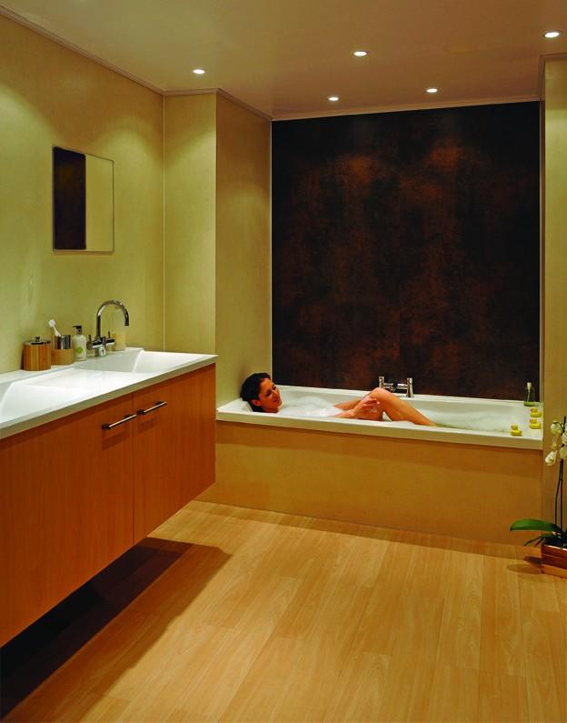 Spa panels vervangen de badkamertegels - Online sanitair